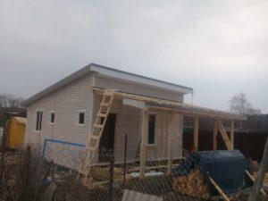 Ведется строительство одноэтажного дома в комплектации